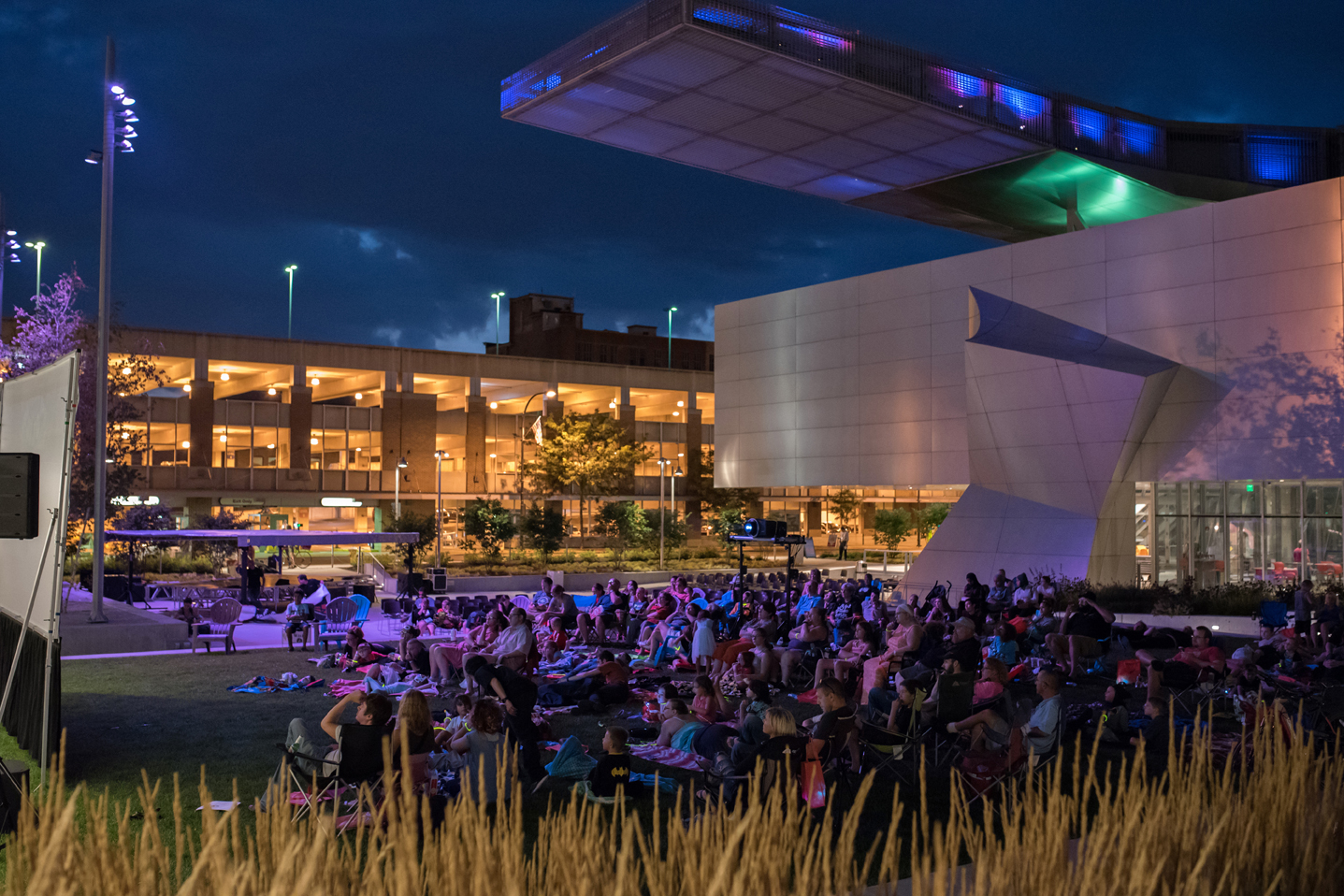 LEAD IMAGE: Family Movie Night (July 27, 2017), courtesy of the Akron Art Museum. Photography by Chris Rutan Photography.